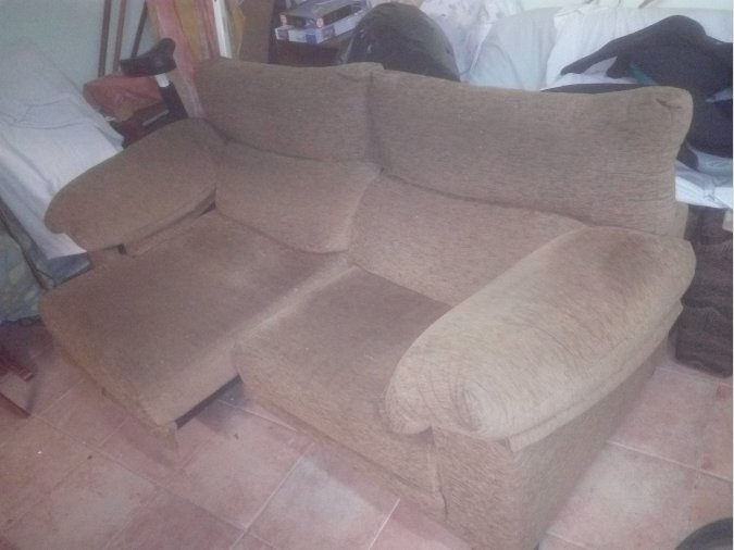 Vendo sofá de 2 plazas, extensible. En perfecto estado
